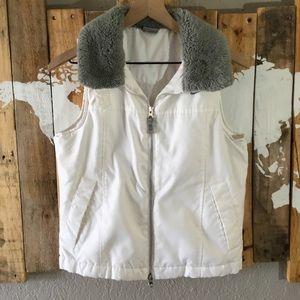 Nike faux fur Sherpa collar white cushioned vest